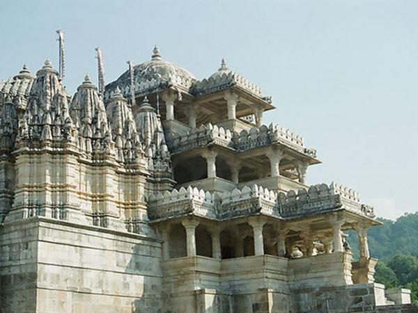 ranakpur-jain-temple-in-india-चतुर्मुखी जैन मंदिर